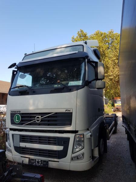 الشركة الدولية للتجارة والخدمات  شاصي طويل  Volvo  FH13  420 سنة الصنع 2010