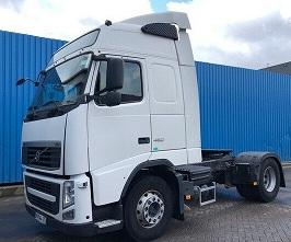 الشركة الدولية للتجارة والخدمات  راس قاطرة  Volvo  FH13  460 سنة الصنع 2010