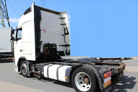 الشركة الدولية للتجارة والخدمات  راس قاطرة  Volvo  FH13  440 سنة الصنع 2009