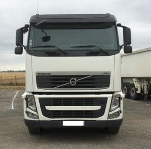 الشركة الدولية للتجارة والخدمات  راس قاطرة  Volvo  FH13  460 سنة الصنع 2009